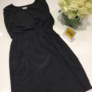 Black elastic waist pullover dress size Medium